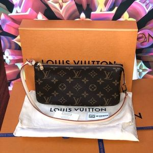 Authentic Louis Vuitton Pochette Accessories NM